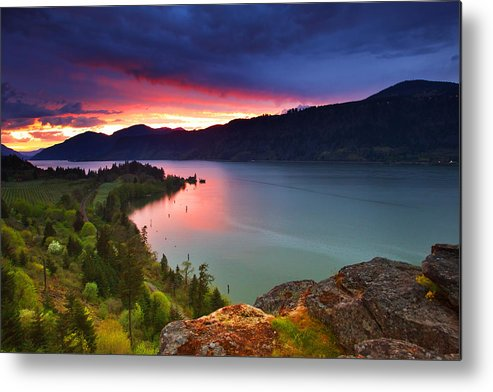 Sunset Metal Print featuring the photograph Columbia Sunset by Darren White