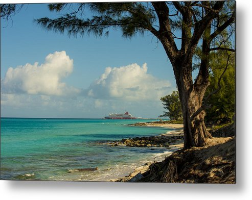 Bimini Metal Print featuring the photograph Cruise Bimini by Kevin Cable