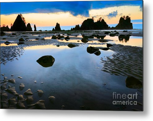 America Metal Print featuring the photograph Dawn Seascape by Inge Johnsson