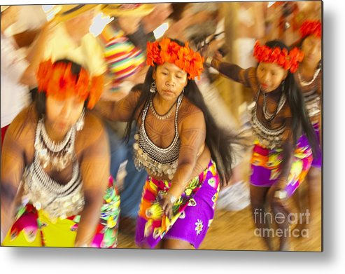 Embera Metal Print featuring the photograph Embera Villagers In Panama by David Smith