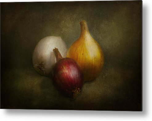 Chef Metal Print featuring the photograph Food - Onions - Onions by Mike Savad