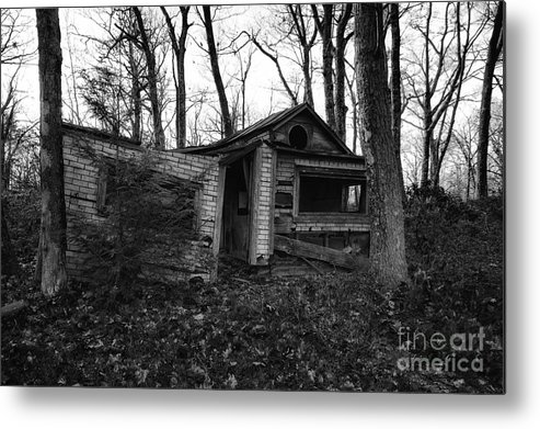 Sam's Point Metal Print featuring the photograph Home Sweet Home by Rick Kuperberg Sr