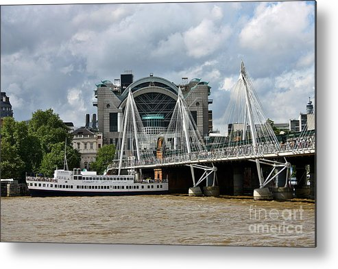 Canon Metal Print featuring the photograph Hungerford Bridge And Charing Cross by Jeremy Hayden