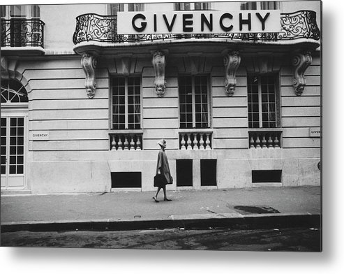 Exterior Metal Print featuring the photograph Isabel O'donnell In Front Of Givenchy by Knight Russell