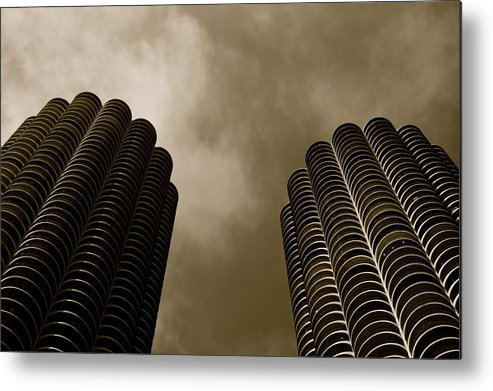 Chicago Metal Print featuring the photograph Marina City Towers by Brennan Rees