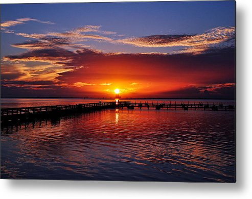 Sunrise Metal Print featuring the photograph Morning In Red by Davids Digits