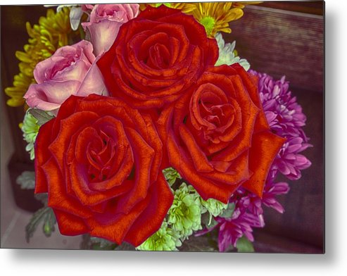 6d Metal Print featuring the photograph Roses Are Red by Mario Legaspi