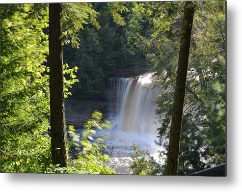 Tahquamenon Falls Metal Print featuring the photograph Slow It Down by Linda Kerkau