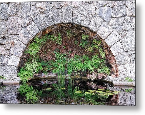 Garden Metal Print featuring the photograph Stone Arch by Rudy Umans