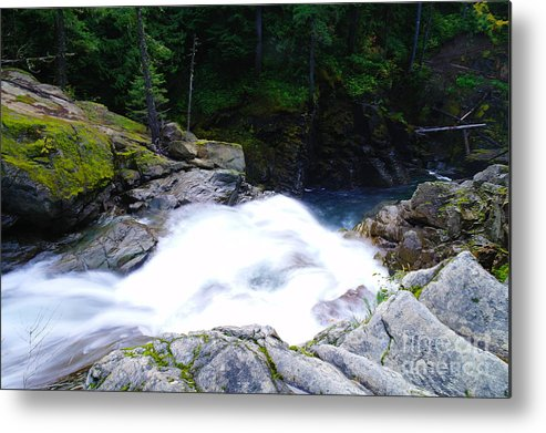 Water Metal Print featuring the photograph Streaming Down by Jeff Swan