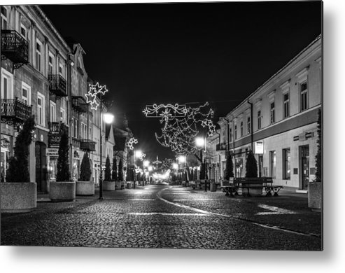 Streets Before Christmas Metal Print featuring the photograph Streets Before Christmas by Tgchan