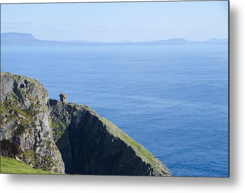 Watchtower Metal Print featuring the photograph The Watchtower At Slieve League by Bill Cannon