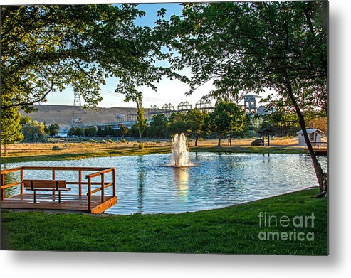 Pond Metal Print featuring the photograph Umatilla Fountain Pond by Robert Bales