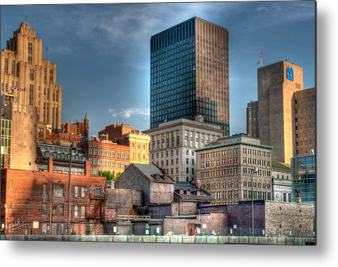 Old Metal Print featuring the photograph vieux Montreal by Elisabeth Van Eyken