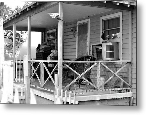 Florida Metal Print featuring the photograph Vintage Home by Andres LaBrada
