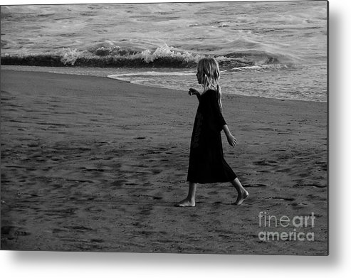 Beach Metal Print featuring the photograph Caminando - 1 by Mychelle Tremblay