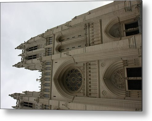 Alter Metal Print featuring the photograph Washington National Cathedral - Washington Dc - 011355 by DC Photographer
