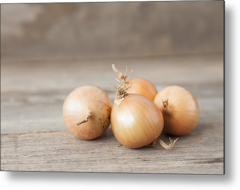 Horizontal Metal Print featuring the photograph Close Up Of Onions On Table by Stefanie Grewel