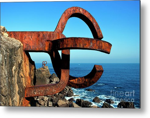 Chillida Metal Print featuring the photograph Comb Of The Winds by Inhar Mutiozabal