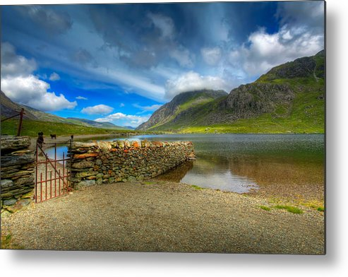 Hdr Metal Print featuring the photograph Cwm Idwal by Adrian Evans