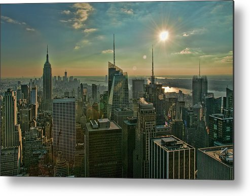 Black And White Metal Print featuring the photograph Midtown Skyline Hdr by S Paul Sahm