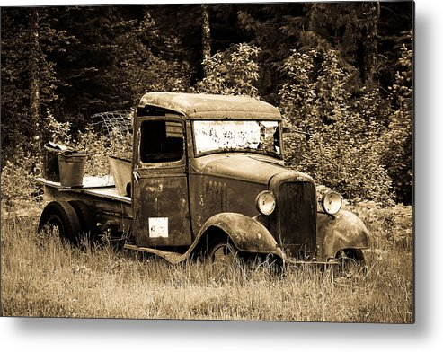 Black And White Metal Print featuring the photograph Old Gold by Steve McKinzie