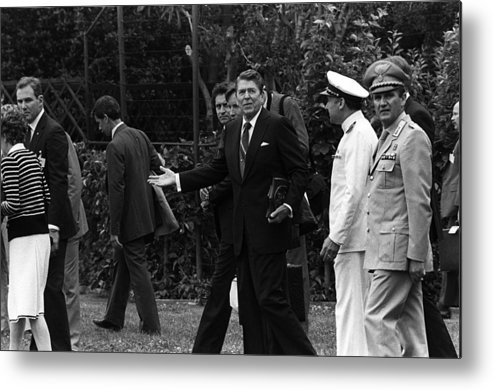 History Metal Print featuring the photograph President Reagan Gestures To Members by Everett