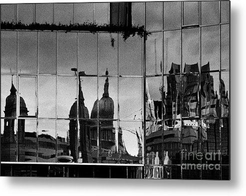 Saint Paul Metal Print featuring the photograph Reflection Of The City by Aldo Cervato