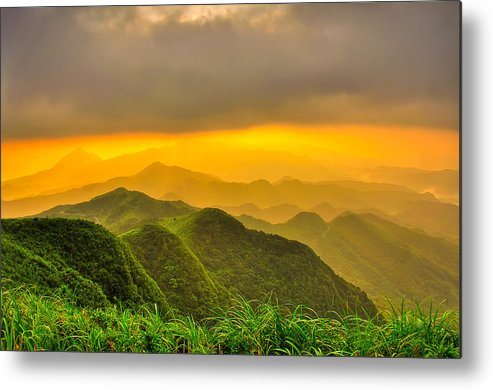 Horizontal Metal Print featuring the photograph Rolling Hills by Taiwan Nans0410