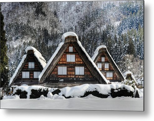 Snow Metal Print featuring the photograph Shirakawago by Kean Poh Chua