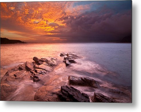 Horizontal Metal Print featuring the photograph Taiwan,keelung by Chia-Hsing Wu