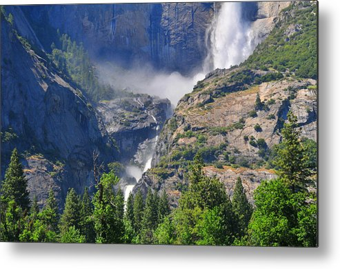 Yosemite Metal Print featuring the photograph The Middle by Lynn Bauer