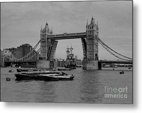 The Endeavor Metal Print featuring the photograph Tower Bridge And The Endeavor by Aldo Cervato