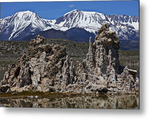 Tufa Metal Print featuring the photograph Tufa At Mono Lake California by Garry Gay