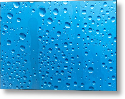 Horizontal Metal Print featuring the photograph Waterdrops by Dm909
