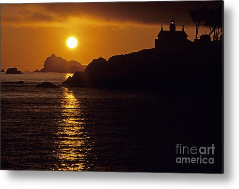 Landscape Metal Print featuring the photograph Battery Point Lighthouse by Jim Corwin