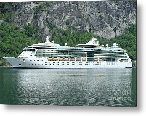 Serenade Metal Print featuring the photograph Serenade Of The Seas by Arild Lilleboe