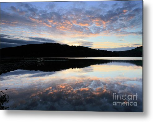 Autumn Metal Print featuring the photograph Autumn Sunset, Ladybower Reservoir Derwent Valley Derbyshire by Dave Porter