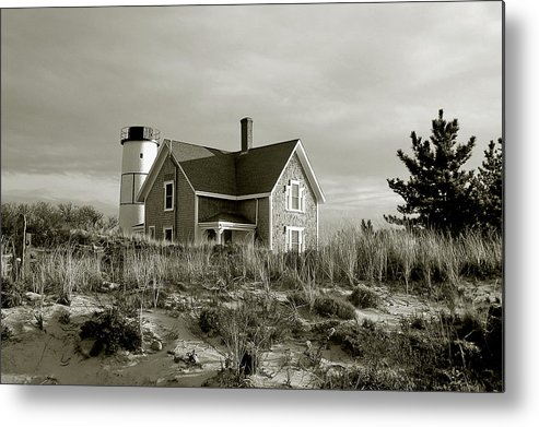 Sandy Neck Metal Print featuring the photograph Sandy Neck Lighthouse by Charles Harden