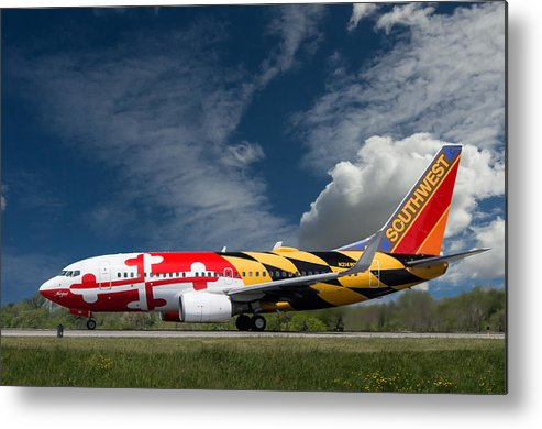 737 Metal Print featuring the photograph 737 Maryland On Take-off Roll by Guy Whiteley