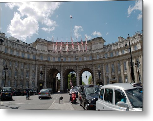 Admiralty Arch Metal Print featuring the photograph Admiralty Arch by Chris Day