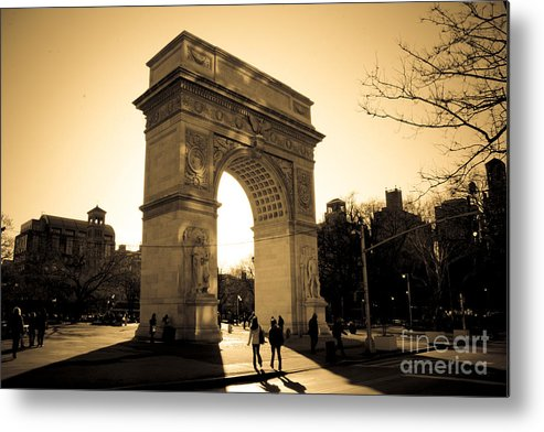 Washington Square Park Metal Print featuring the photograph Arch Of Washington by Joshua Francia