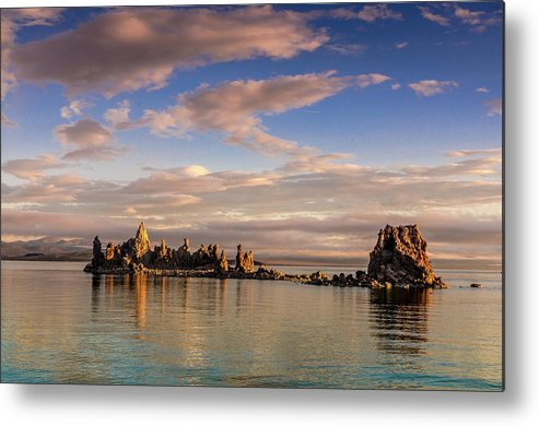 Landscape Metal Print featuring the photograph Cloudy Morning At Mono Lake by Javier Flores