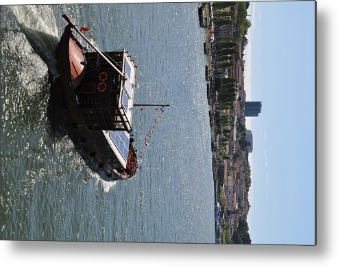 Boating Metal Print featuring the painting Cruising Porto's Rio Duoro by T Aung