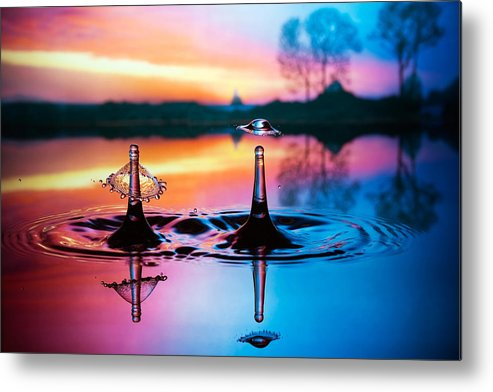 Water Metal Print featuring the photograph Double Liquid Art by William Lee