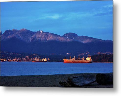 English Bay Metal Print featuring the photograph English Bay by Paul Kloschinsky