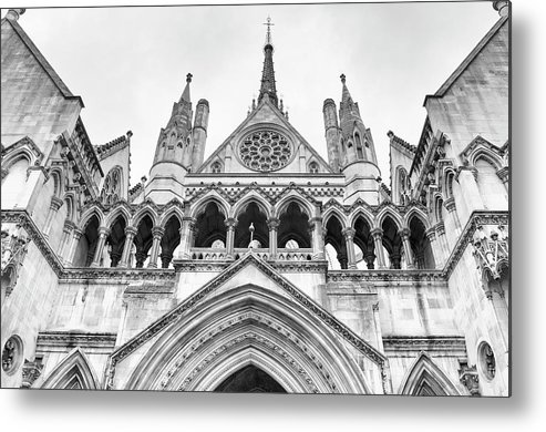 London Metal Print featuring the photograph Entrance To Royal Courts Of Justice London by Shirley Mitchell