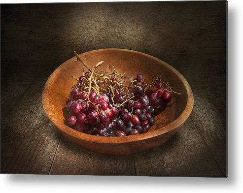 Chef Metal Print featuring the photograph Food - Grapes - A Bowl Of Grapes by Mike Savad