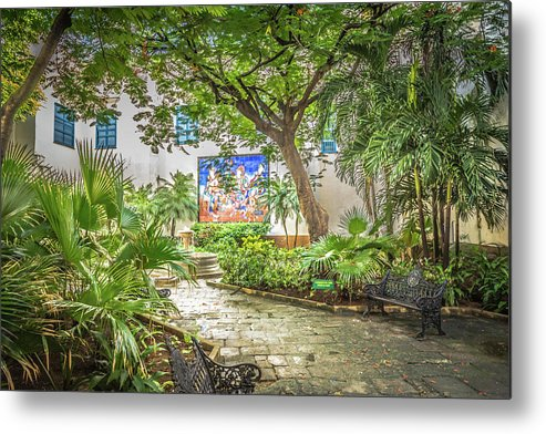 Havana Metal Print featuring the photograph Garden In The Square by Bill Howard