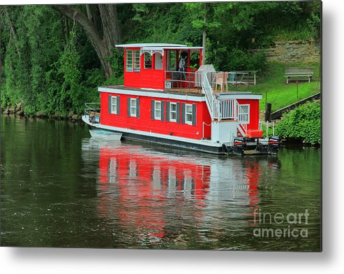 Boat Metal Print featuring the photograph Houseboat On The Mississippi River by Teresa Zieba